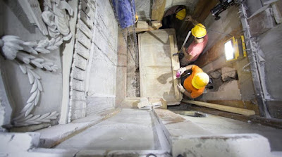 Μυστηριώδη φαινόμενα στον Πανάγιο Τάφο: Φήμες για «γλυκιά οσμή» που αναδίδεται από το εσωτερικό