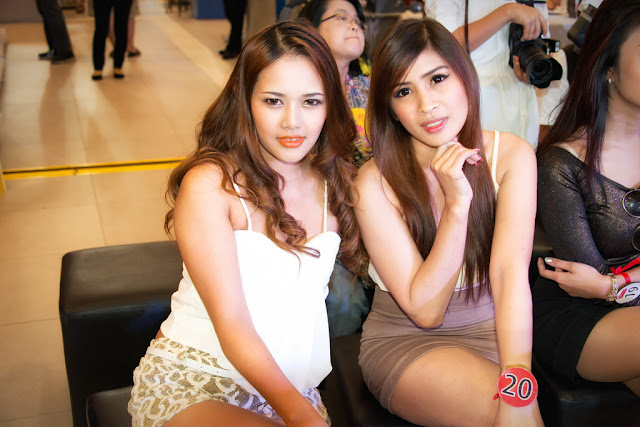 Kencan Dengan Gadis Thailand