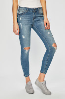 jeansi-de-firma-pentru-femei-9