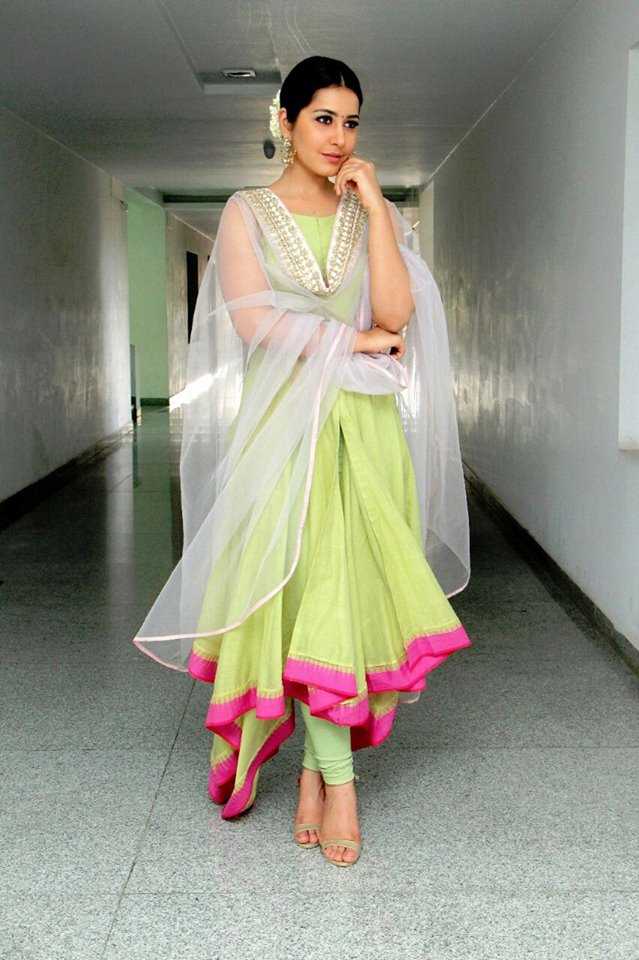 Hot Photos Of Rashi Khanna In Green Dress
