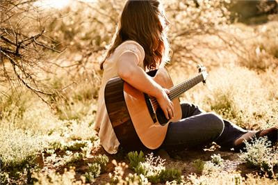 Bí quyết chọn mua đàn guitar cho người mới bắt đầu