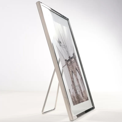 Meadow Metal Float Picture Frame