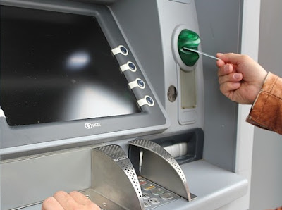 ATM mempunyai kepanjangan dari Anjungan Tunai Biaya Transfer ATM Beda Bank Mandiri, BCA, BRI, BPD, BNI