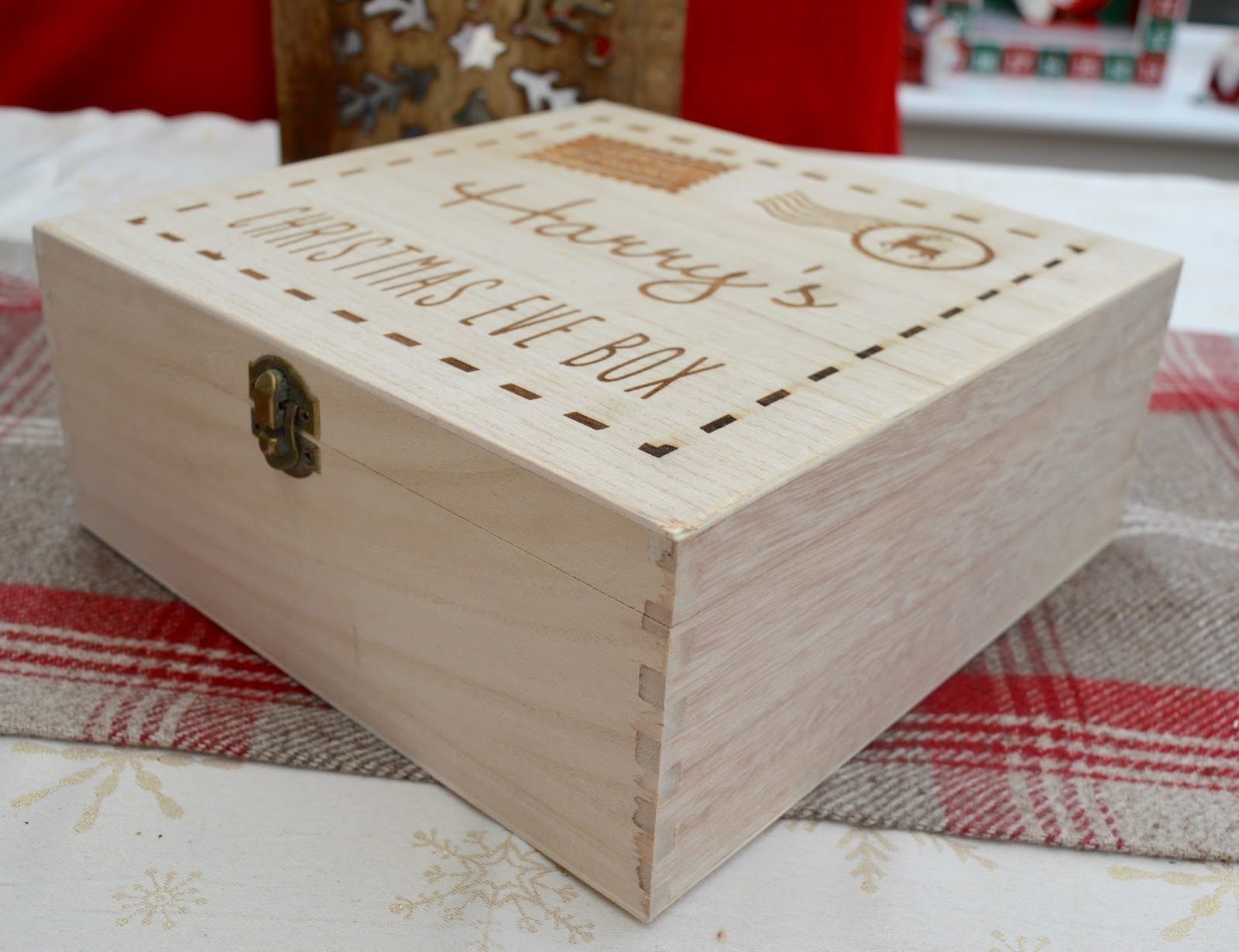 How to Create a Magical Personalised Christmas Eve Box with GettingPersonal.co.uk including ideas for what to put inside.  - high quality wooden box
