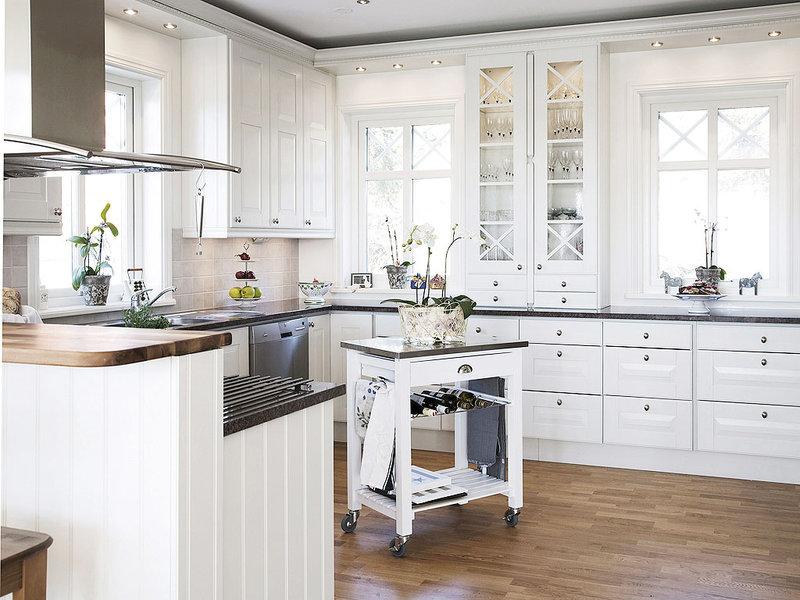 30 fotos de cozinhas em branco e madeira decora o e ideias - Cocinas tradicionales blancas ...