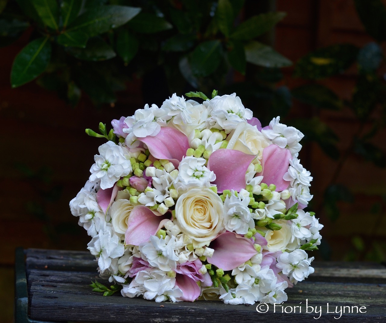 Wedding Flowers Blog Kathryns White And Dusky Pink Wedding Flowers