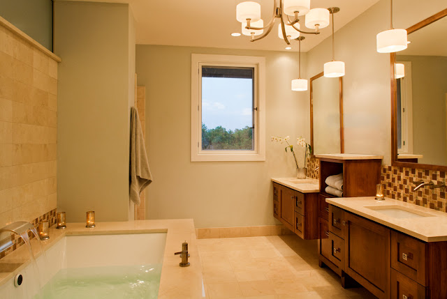 Picture of lovely bathroom in the contemporary ranch house