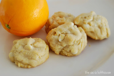 Orange Creamsicle Cookies are warm and soft cookies filled with white chocolate chips and amazing orange flavor. Life-in-the-Lofthouse.com