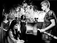 Roddy McDowall y Elizabeth Taylor en Cleopatra