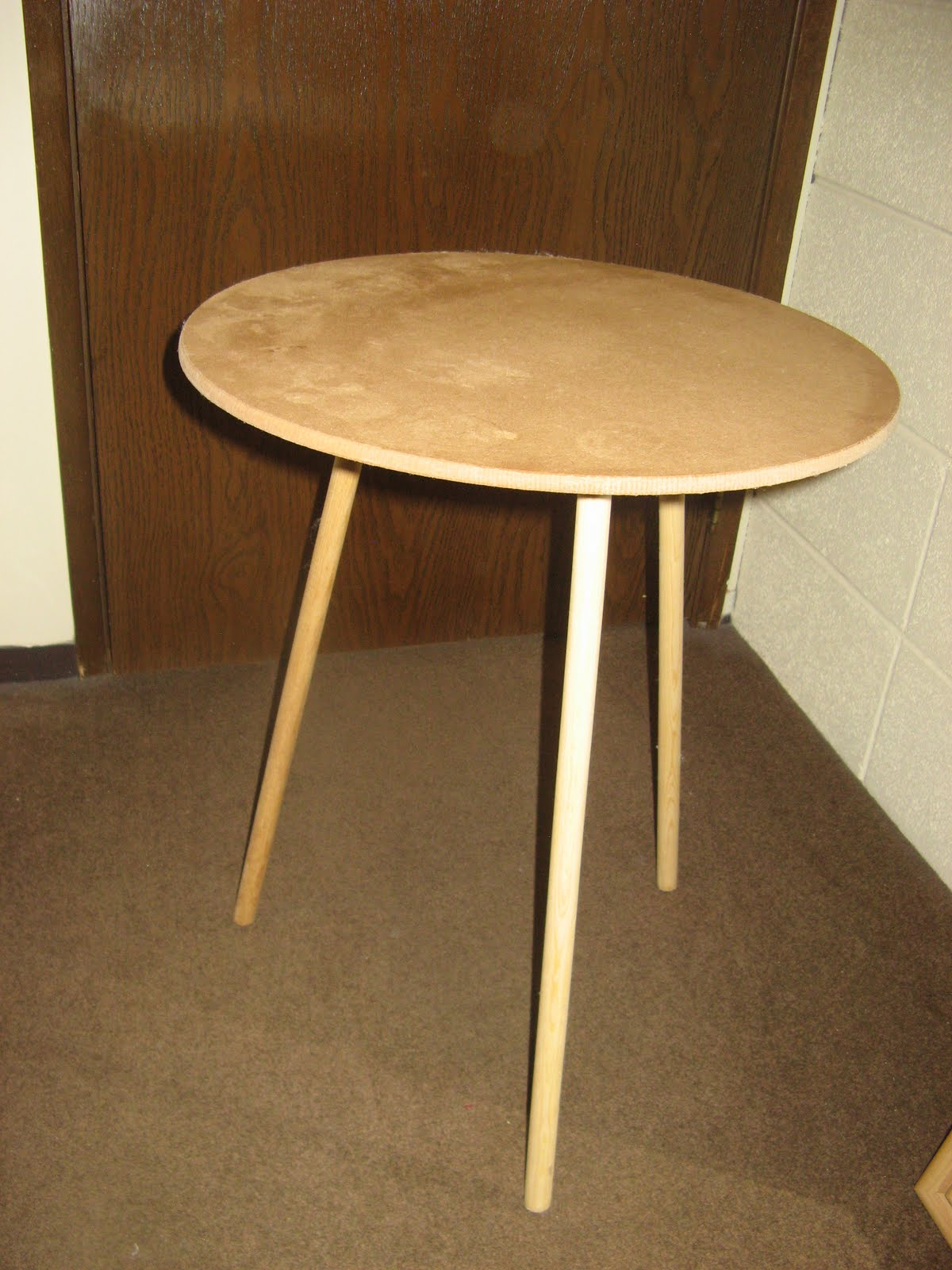 Moving Sale 3 Leg Side Table 8
