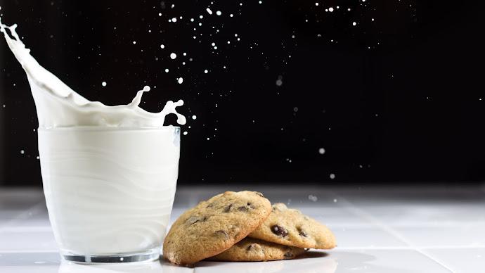 Wallpaper: Milk and Cookies