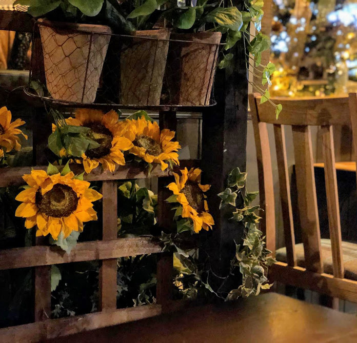 The Woodmans Arms Review | Sunday Lunch near Gibside  - floral design