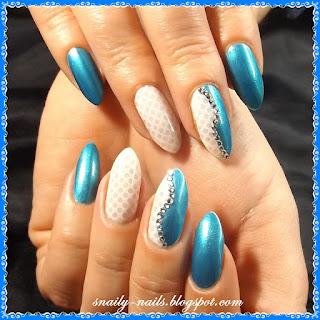 http://snaily-nails.blogspot.com/2017/01/niebianskie-kropeczki.html
