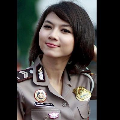 Model Rambut Pendek Polisi Wanita Atau Polwan Info Model Rambut