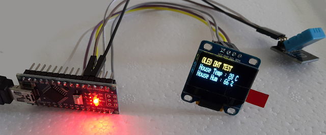 Arduino + LCD Screen + DHT11 powered
