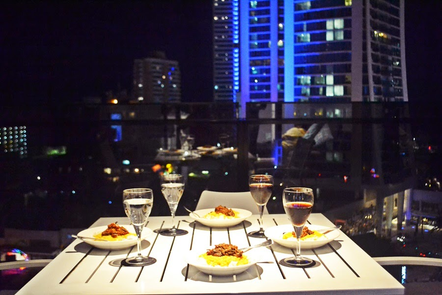 gold coast, surfers paradise, circle on cavill, dinner