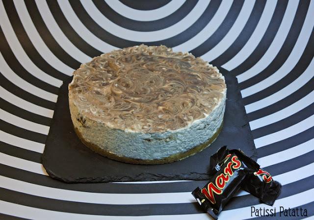 recette de cheese-cake sans cuisson, cheese-cake sans cuisson aux mars, cheese-cake gourmand, cheese-cake régressif, cheese-cake qui tue, cuisine avec des mars, dessert avec des mars, recette avec des mars, dessert régressif, le meilleur cheese-cake aux mars, gâteau sans cuisson, gâteau d'été