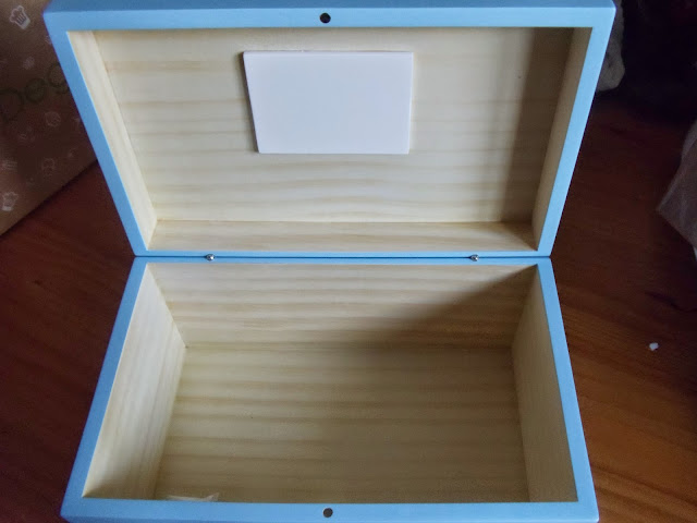 open My special things keepsake box