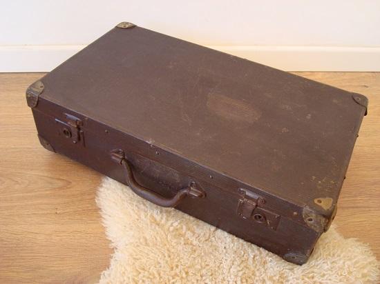 Imágenes y fotos de maletas antiguas con detalle para comprar