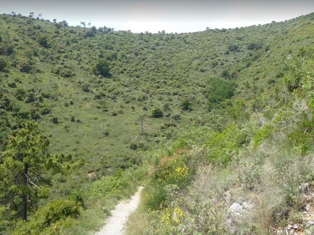 sentiero vado ligure spotorno nella gola di s. elena