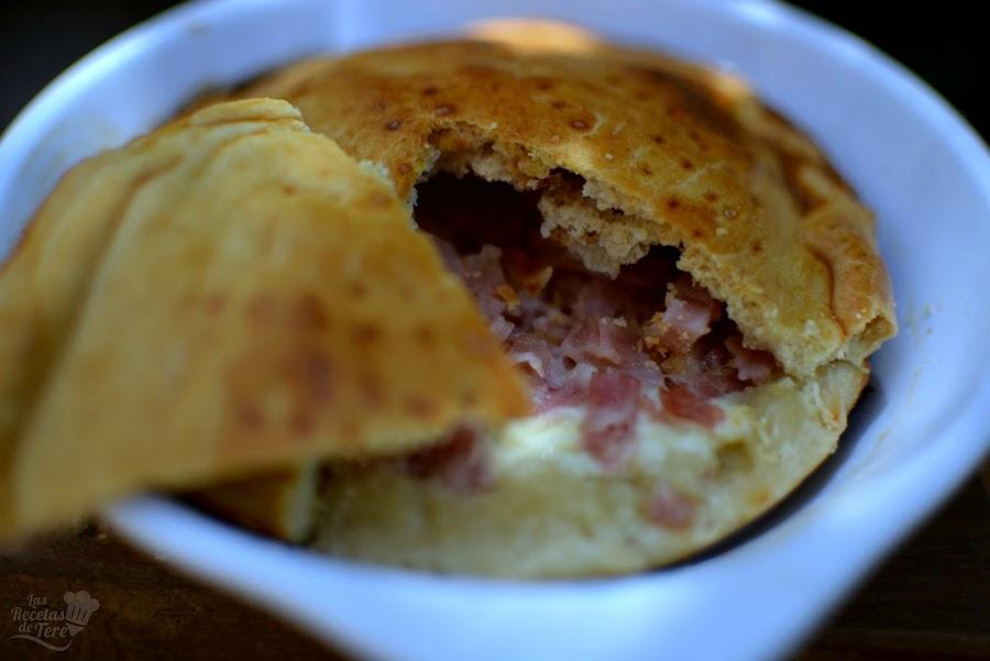 Empanada de jamón de york y queso emmental 03