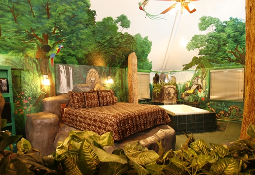 jungle theme bedoom ideas with wall painting