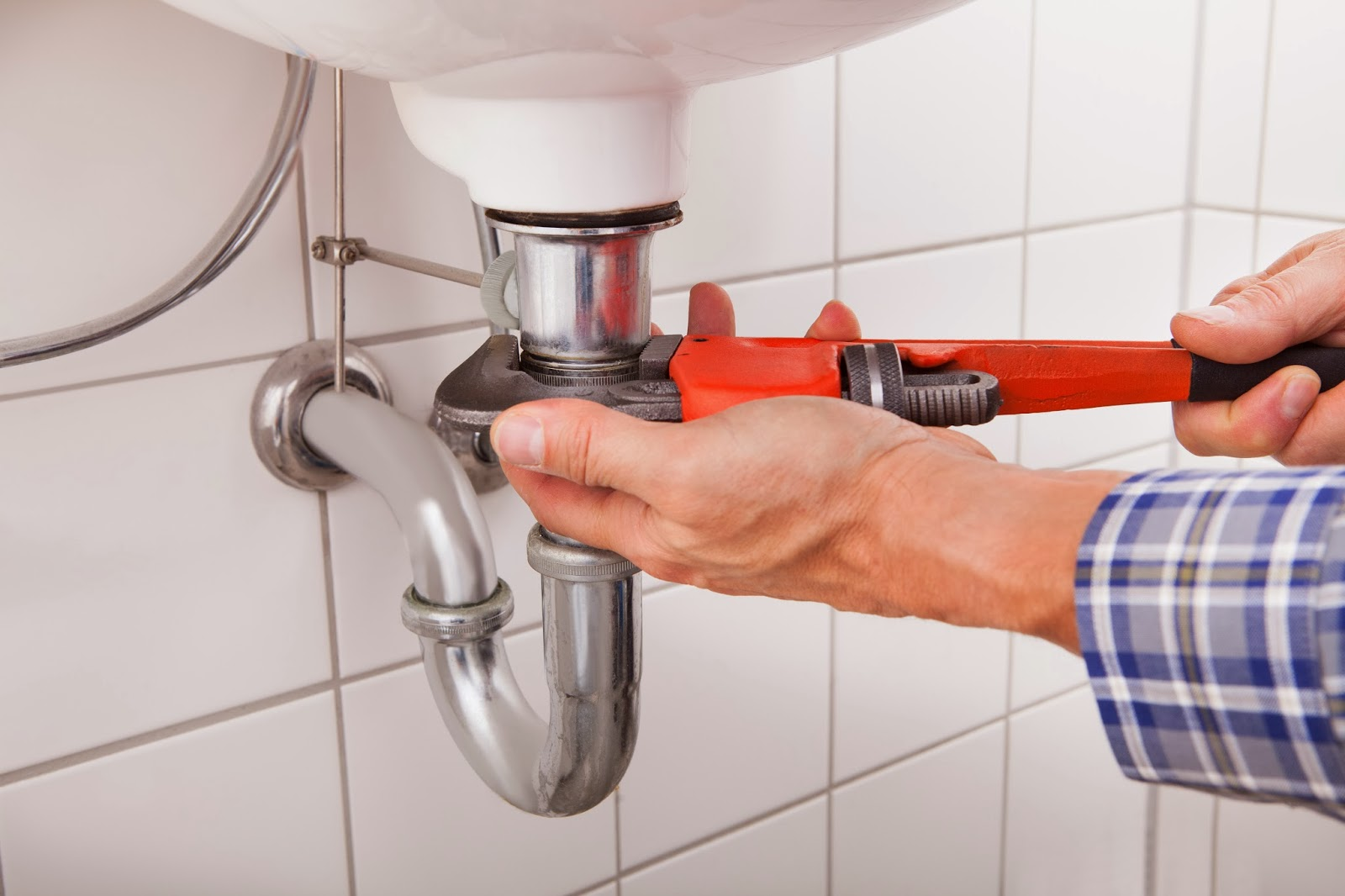 Five Easy Ways to Use Adjustable Wrench To Prevent Plumbing Problems
