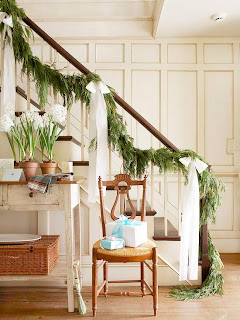 decorar escalera en navidad