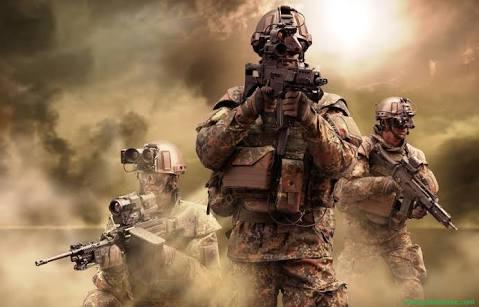 فوجی ڈیوٹی نہیں کرتے، احسان کرتے ہیں!