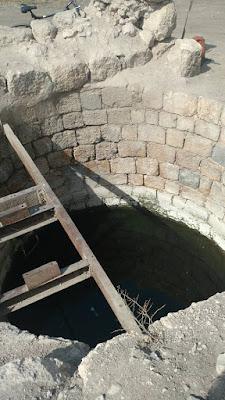 באר מים עתיקה