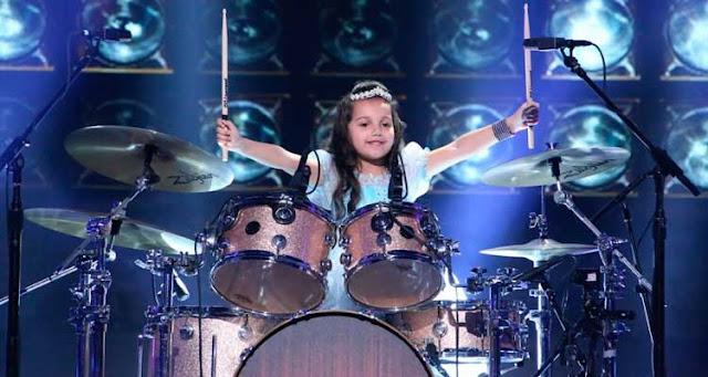 A menina de Santa Catarina foi ao programa nos EUA, e apavorou no instrumento – Reprodução