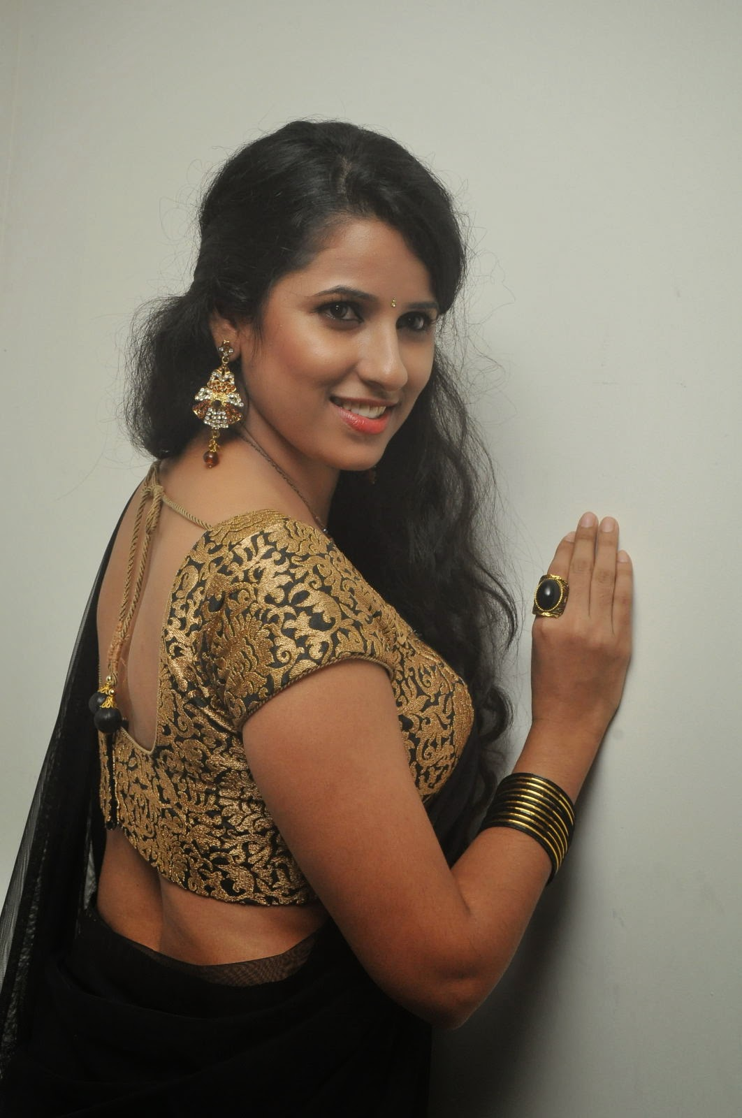 Shravya Reddy Hot Navel In Black Transparent Half Saree ...