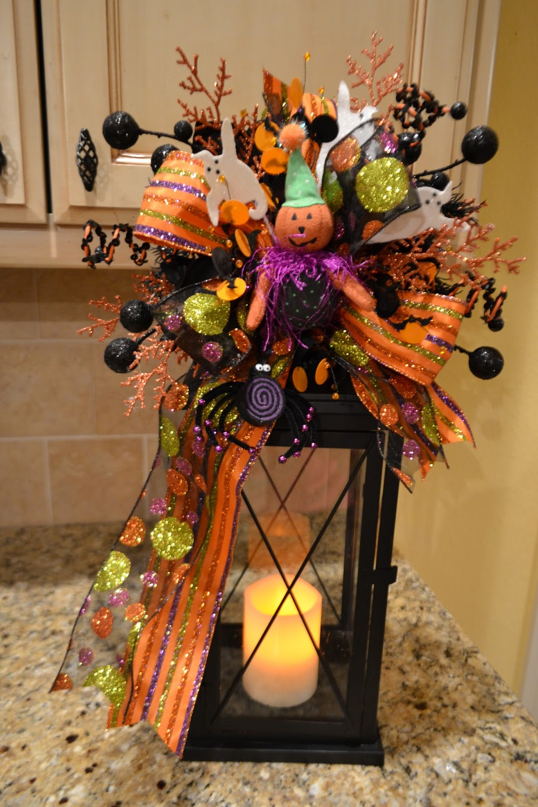 kristen 39 s creations halloween and fall lantern swags. Black Bedroom Furniture Sets. Home Design Ideas