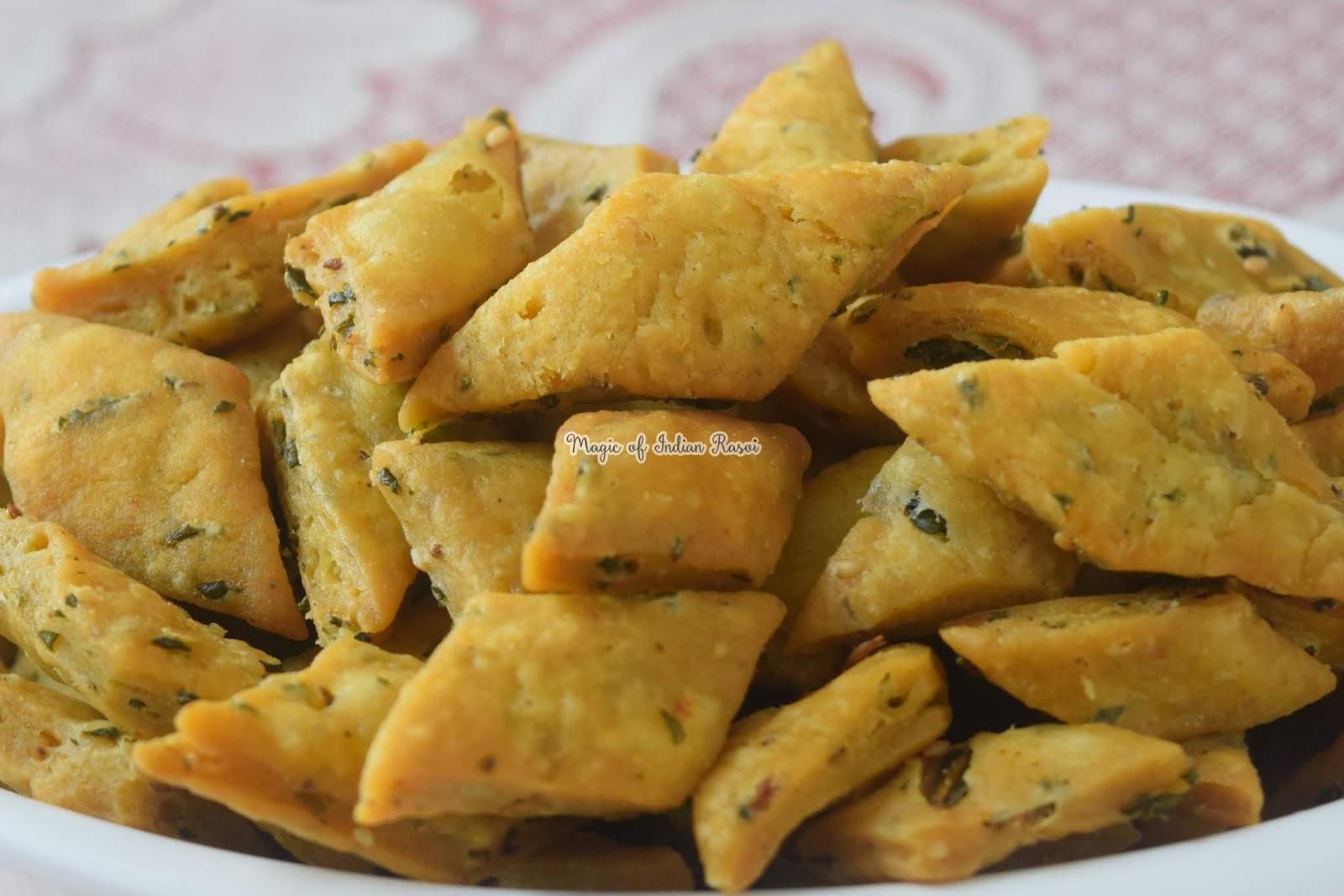 Masala Palak Mathri Recipe 3