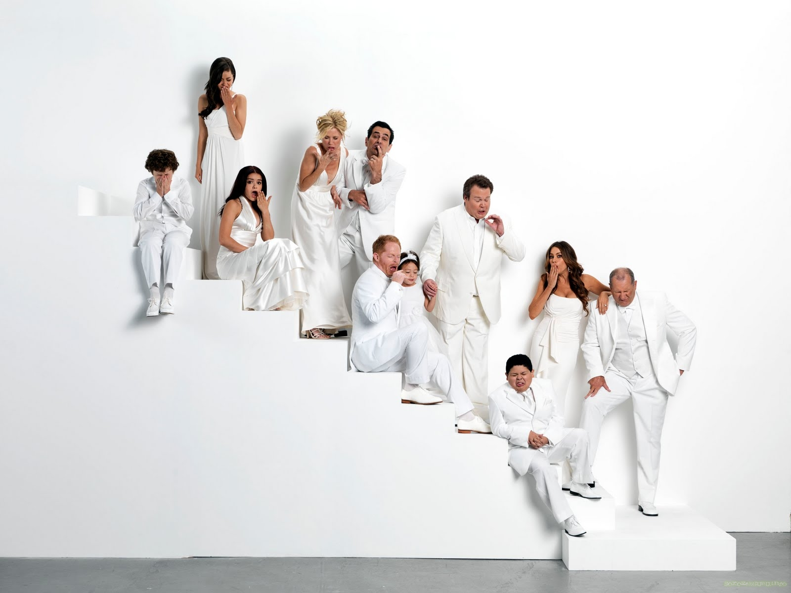 modern family wallpaper photo - photo #12