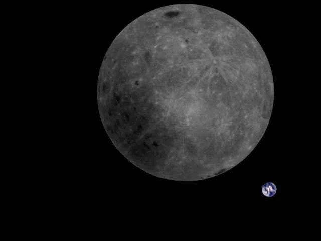 Questa foto mostra il lato oscuro della Luna e la Terra nello stesso scatto