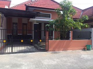 Rumah Dijual Belakang Hotel Hyatt Siap Huni Dekat YKPN
