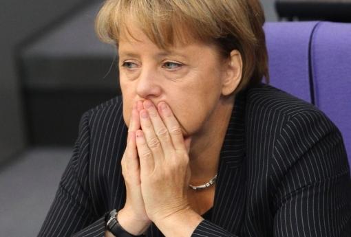 المستشارة الألمانية ميركل تنوي اعادة اللاجئين