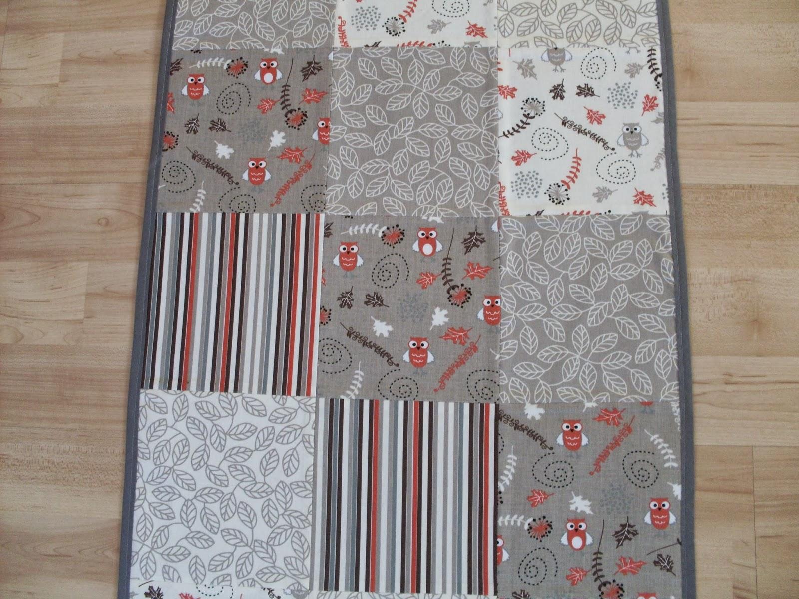 alex lernt n hen patchwork tischdecke. Black Bedroom Furniture Sets. Home Design Ideas