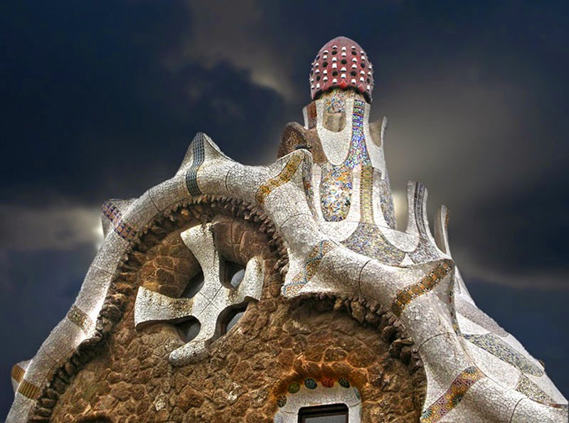 13. Mind House (Barcelona, Spain) - Top 13 World's Strangest Buildings