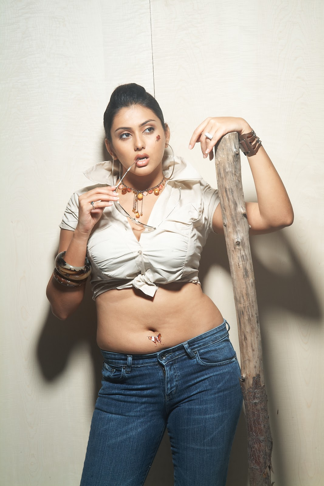 Sab Sexy Actress Namitha Latest Cute And Spicy Photo -5174