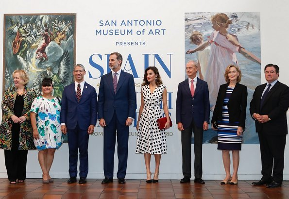 Queen Letizia wore Valentina Cano Dress at San Antonio Museum of Art. President Donald Trump and First Lady Melania Trump met Queen Letizia