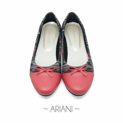 Sepatu Batik Tenun Toraja Merah (Ariani)