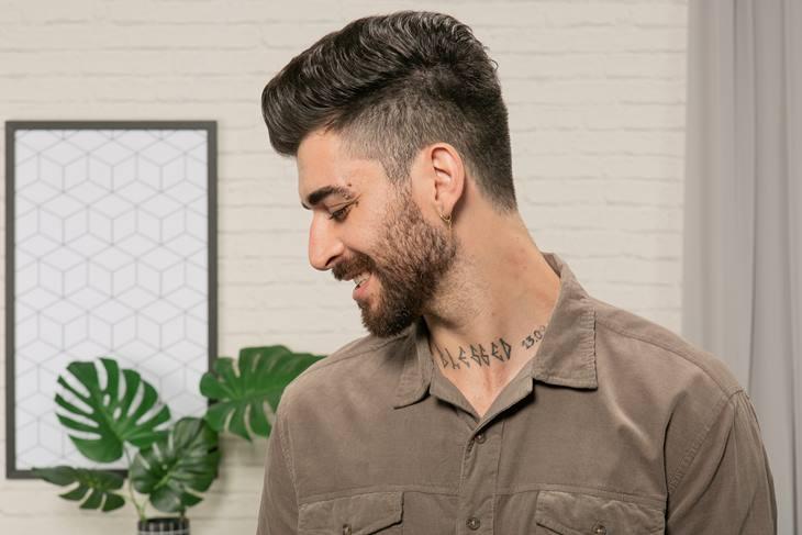 Cortar cabelo em casa homem