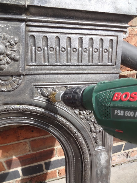 How to Buff a Cast Iron Fireplace