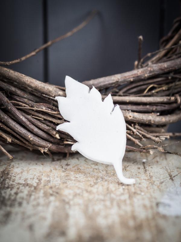 Herbstdeko: Ein Blatt aus Fimo