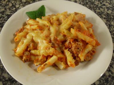 Macarrones de quinoa a la boloñesa, sin lactosa.