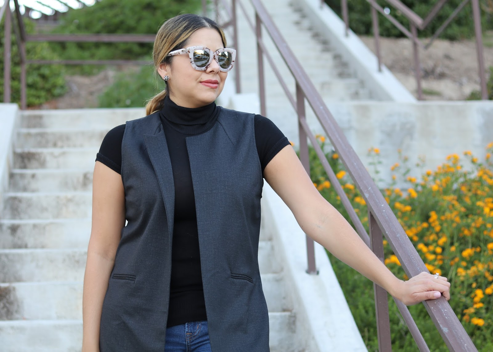 mac liptensity smoked almond, cabi vest, quay sunglasses for fall, latina fashion blogger