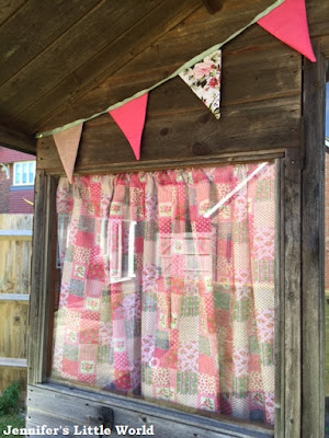 Making simple fabric bunting for the summer house