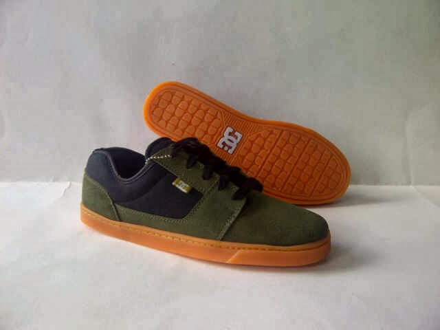 DC SHOES  a4aa39a310